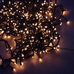 Kültéri extra sűrű LED fényfüzér 8m zöld kábel, 400 meleg fehér LED