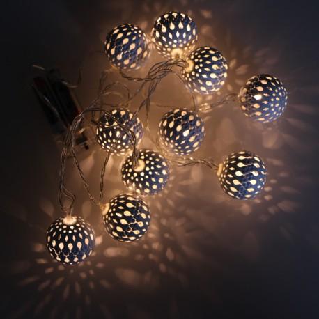Elemes fehér metál gömb meleg fehér LED fényfüzér